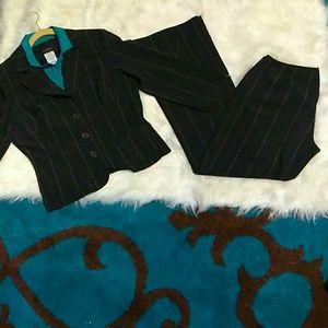 B. Smart pant suit